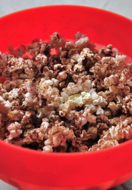 Cocoa-dusted Popcorn with Coconut and Cinnamon