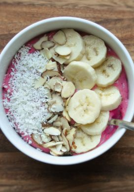 Strawberry Flax Smoothie Bowl