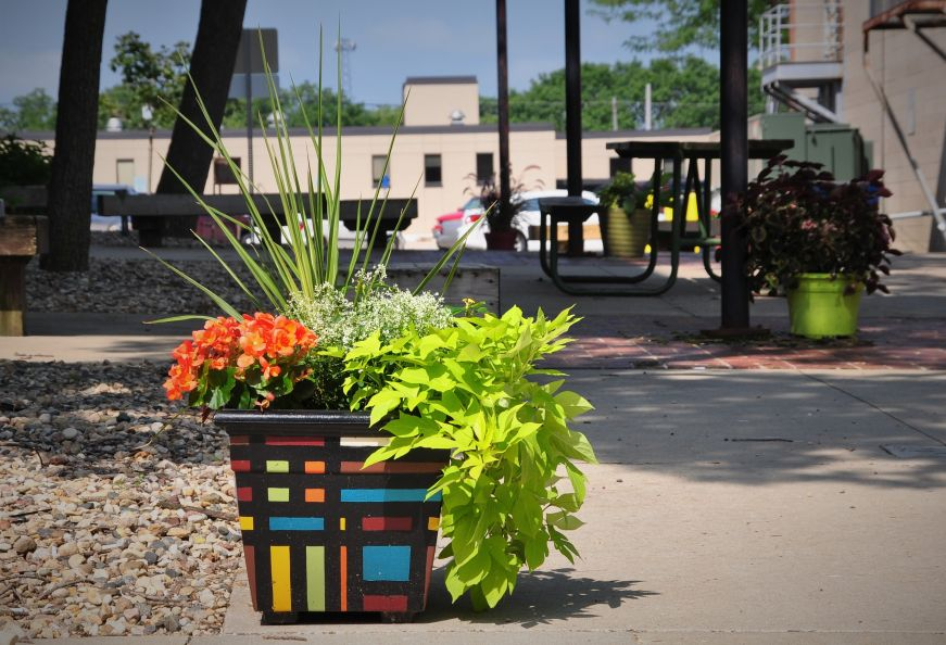 Frank Lloyd Wright-inspired planter, Mason City, Iowa
