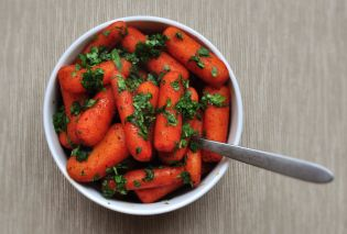 Pan Seared Carrots with Chili and Lime